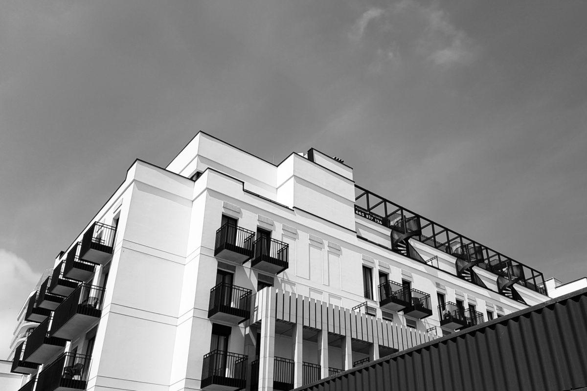 Kryzys na rynku nieruchomości – zagrożenia dla inwestorów i zwykłych właścicieli