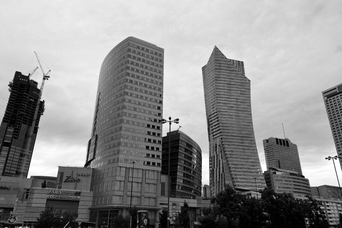Roman Giertych i Ryszard Krauze: analiza sprawy + schemat prania pieniędzy przy wykorzystaniu nieruchomości