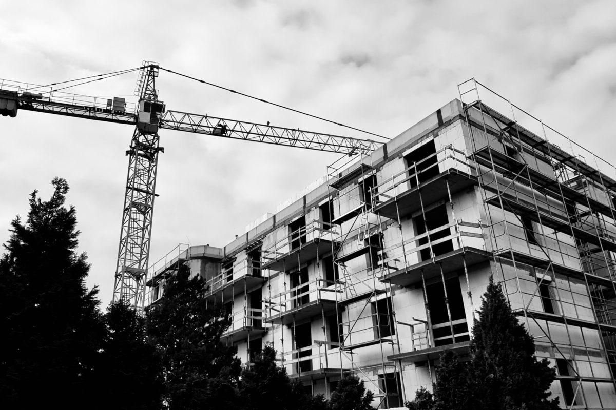 Oszustwa w budownictwie – podstawowe schematy